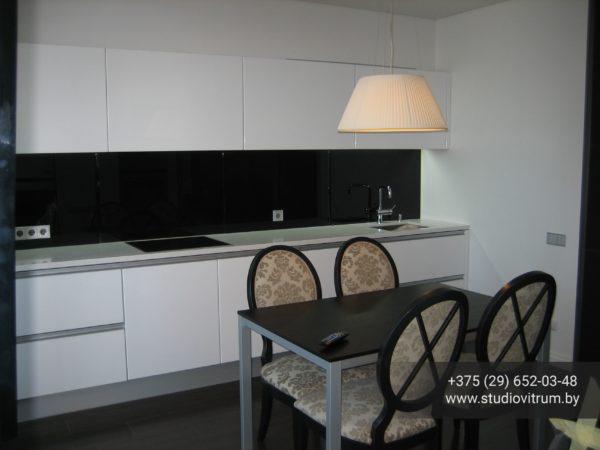 ms 17 600x450 - Мебель и предметы интерьера из стекла
