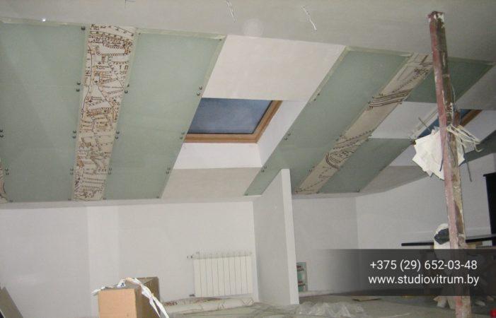 ms 48 701x450 - Мебель и предметы интерьера из стекла