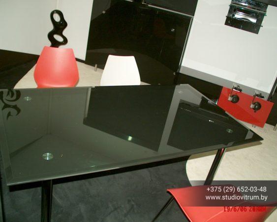 ms 93 563x450 - Мебель и предметы интерьера из стекла