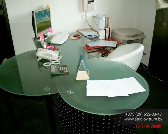 ms 92 563x450 - Мебель и предметы интерьера из стекла